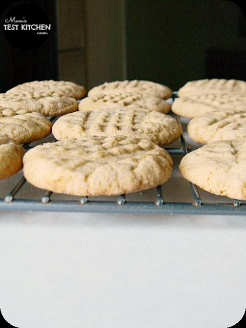 Peanut Butter CrissCrosses | www.momstestkitchen.com | #SecretRecipeClub