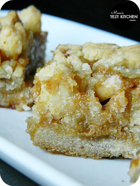Caramel Apple Shortbread Bars | www.momstestkitchen.com