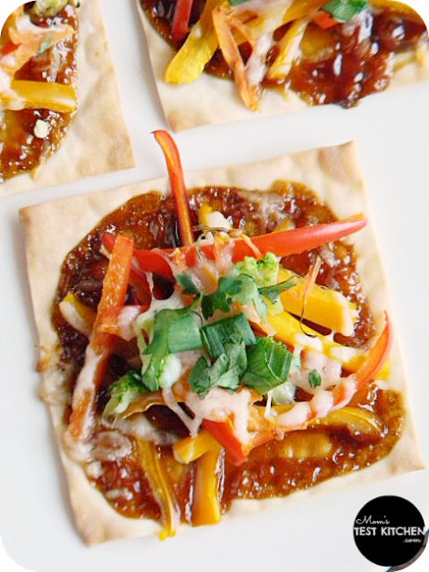 Mini Asian Vegetable Pizzas | www.momstestkitchen.com | #PepperParty
