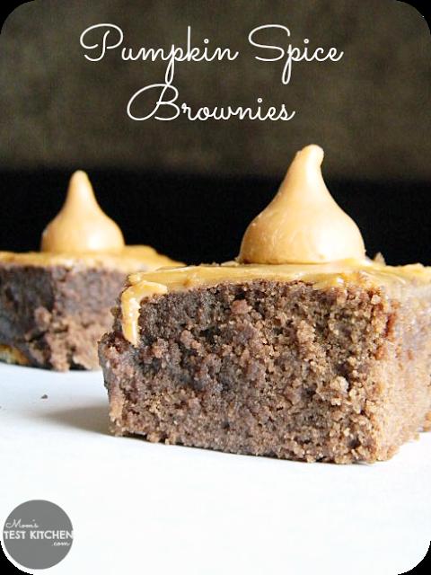 Pumpkin Spice Brownies | www.momstestkitchen.com