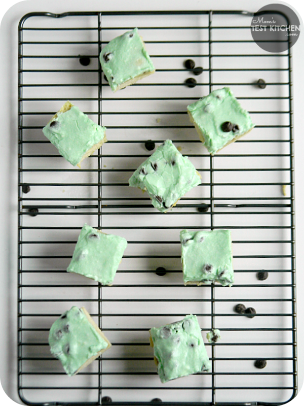 Mint Chocolate Chip Sugar Cookie Bars | www.momstestkitchen.com | #ChristmasWeek #CakeBossBaking