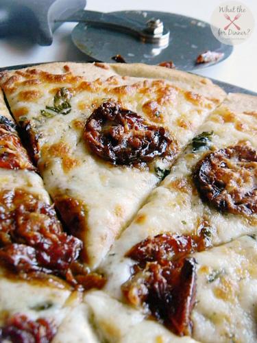 Candied Tomato Margherita Pizza | MomsTestKitchen.com