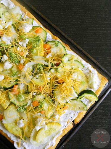 Veggie Pizza | MomsTestKitchen.com