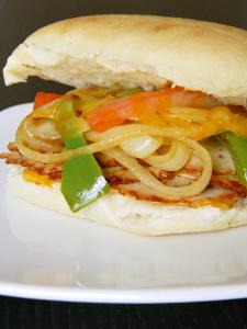 Chipotle Chicken Fajita Sandwich   MomsTestKitchen.com