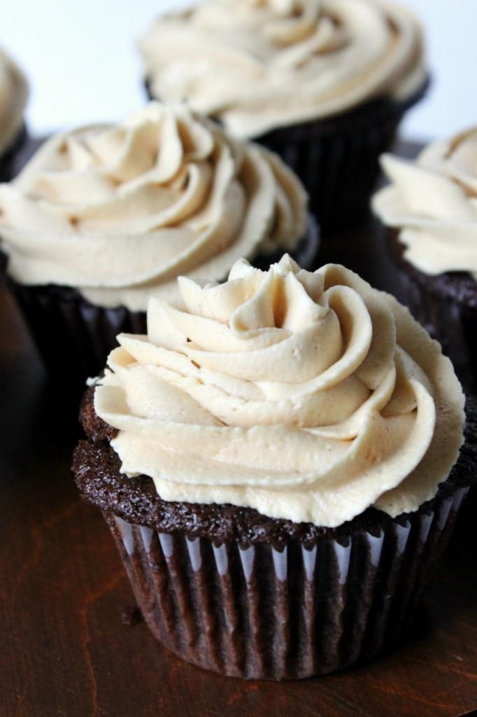 chocolate-cupcakes-1-682x1024